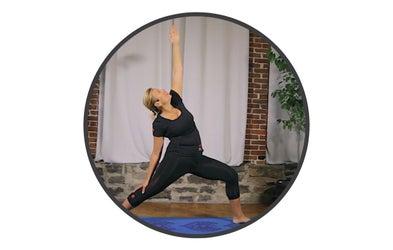 "<p><span class=""font-bold""><span class=""text-lg"">Mireille Massé</span></span><br><span class=""italic"">Certifiée Yoga pour coureurs</span></p>"
