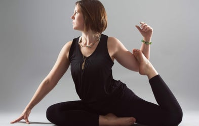 "<p><span class=""font-bold"">Stephanie Ferrabee - Yoga</span></p>"