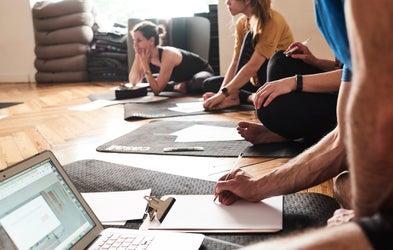 <p>Curso completo Yoga Sutras</p>