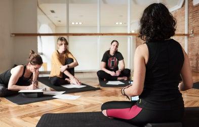 <p>Yoga sutras para la práctica y la vida</p>