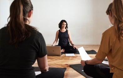 <p>Introducción a las 8 Ramas del yoga</p>